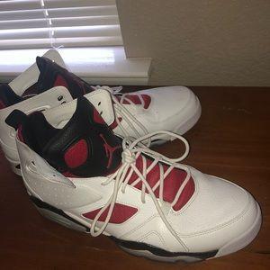 Im selling some Jordans 💀